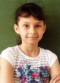 Милана Батурина, 11 лет, двусторонняя сенсоневральная глухота, требуются слуховые аппараты. 106320 руб.