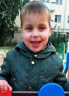 Алеша Макухин, 8 лет, грубая задержка психоречевого развития, требуется курсовое лечение. 199200 руб.