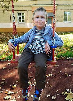 Алеша Тарасов, 9 лет, спинальная мышечная атрофия Верднига – Гоффмана, сколиоз грудопоясничного отдела позвоночника 3-й степени, требуется ортопедическое кресло. 127596 руб.