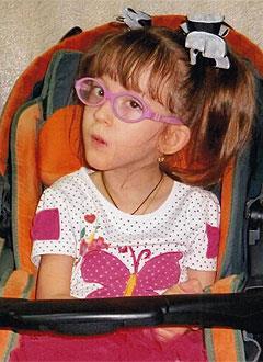 Эвелина Тарасова, 6 лет, детский церебральный паралич, требуется лечение. 199430 руб.