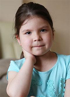 Аделия Харасова, 5 лет, врожденный порок сердца, спасет эндоваскулярная операция, требуется окклюдер. 123788 руб.