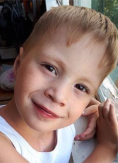 Ильдар Аксенов, 4 года, сложный врожденный порок сердца, спасет операция. 169531 руб.