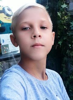 Женя Шабанов, 10 лет, муковисцидоз, легочно-кишечная форма, требуется лекарство на 8 месяцев. 361700 руб.