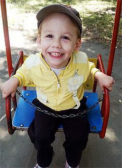Саша Радченко, 4 года, детский церебральный паралич, требуется лечение. 199430 руб.