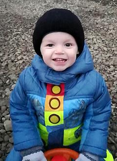 Кирилл Кваченко, 3 года, врожденная правосторонняя косолапость, рецидив, требуется лечение. 151900 руб.