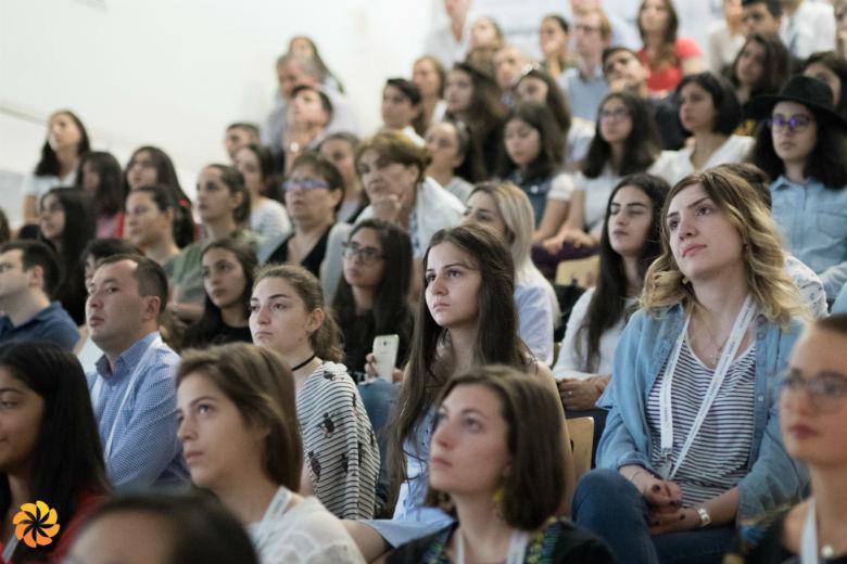 Зрители в лектории